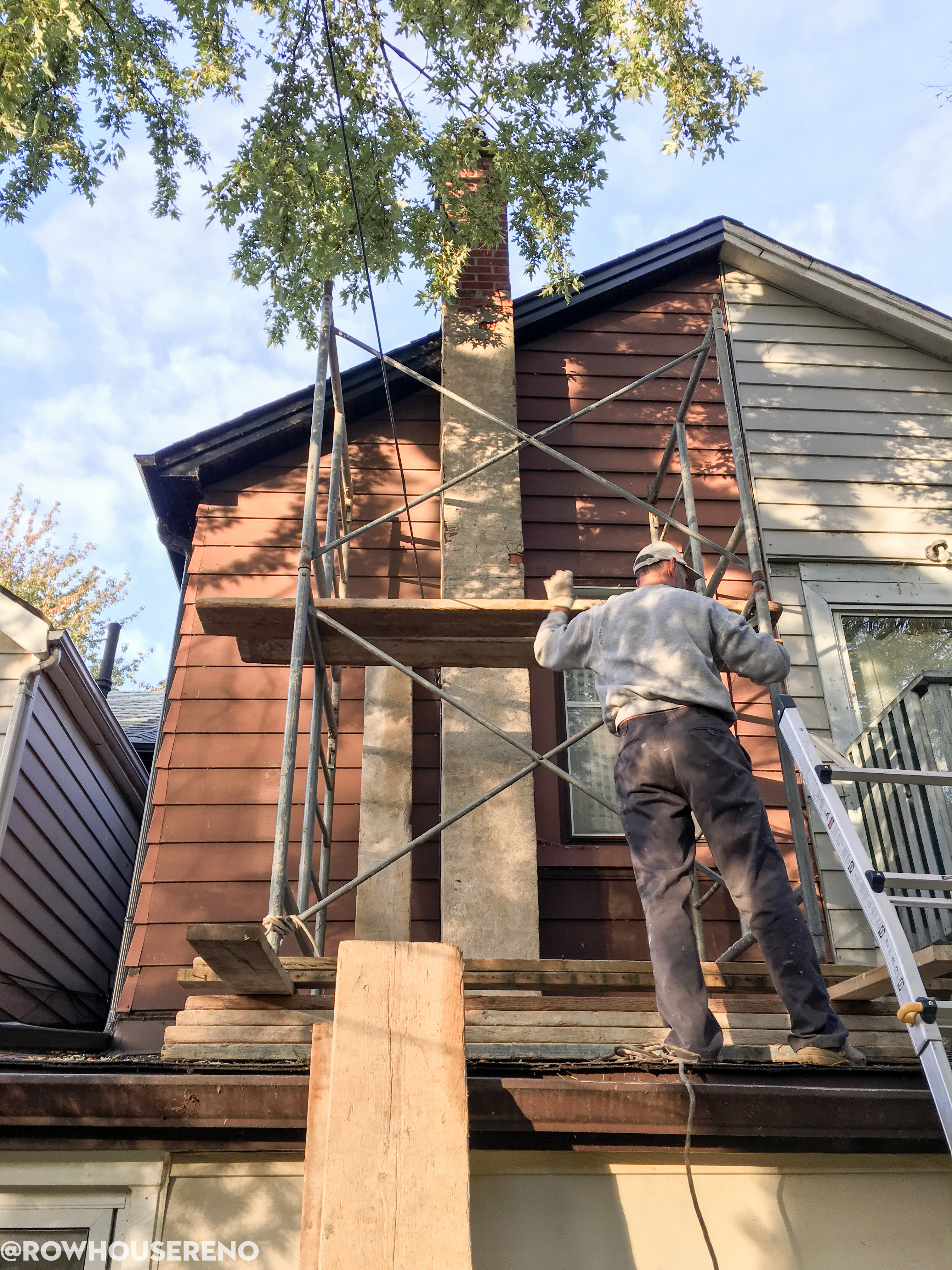 How to remove a chimney - Old Chimney Scaffolding